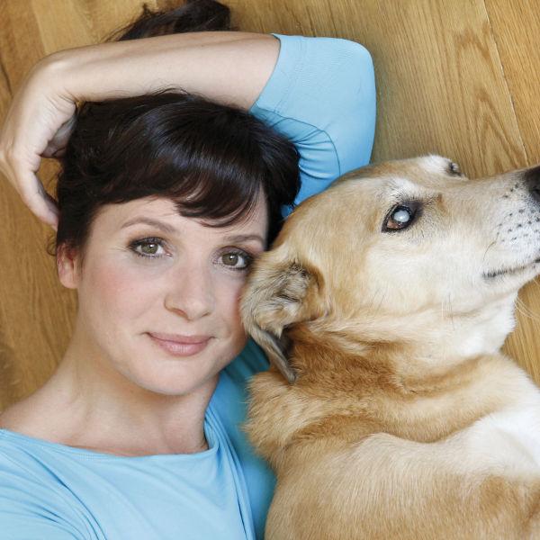 Simone Sombecki mit ″Katzen suchen ein Zuhause″